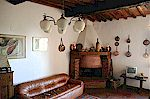 Village vacation apartment in Volpaia